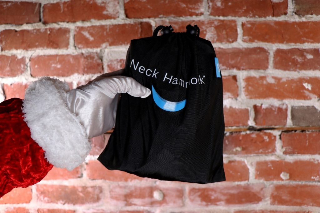 Neck Hammock Review 2020 - Should You Use it To Help Your Neck? 1