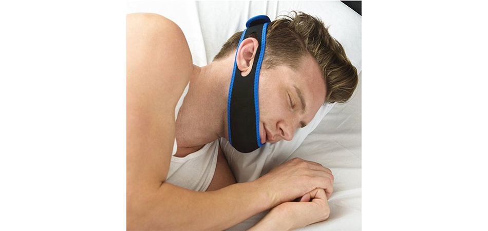 How-to-Wear-Your-Snore-Strap