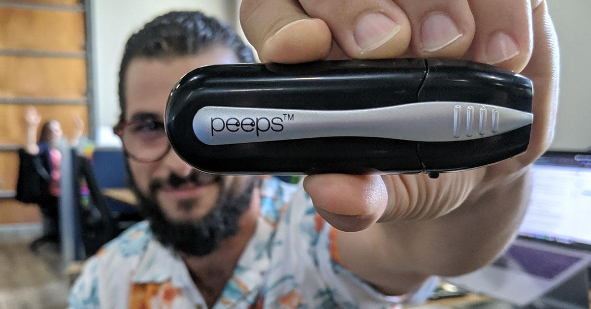 cómo eliminar un rayón de los lentes peeps